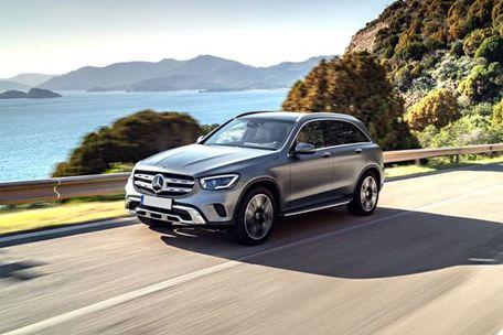 Mercedes-Benz GLC 2019 Front Left Side Image