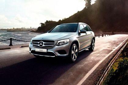 Mercedes-Benz GLC Front Left Side Image