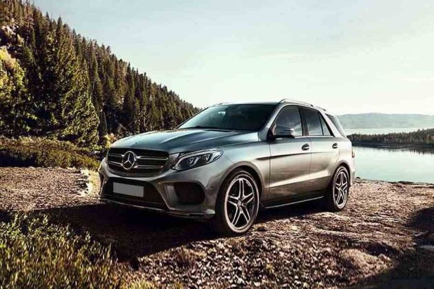Mercedes-Benz GLE Front Left Side Image
