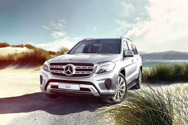 Mercedes-Benz GLS Front Left Side Image