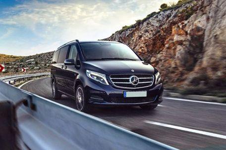 Mercedes-Benz V-Class Front Left Side Image