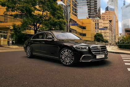 Mercedes-Benz S-Class Front Left Side Image