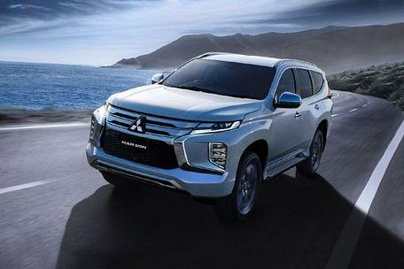 Mitsubishi Pajero Sport 2019 Front Left Side Image
