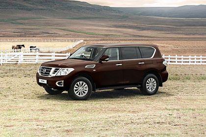 Nissan Patrol Front Left Side Image