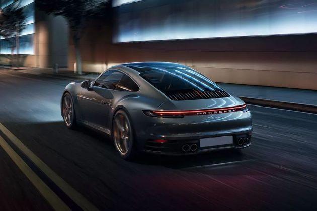 Porsche 911 Rear Left View Image