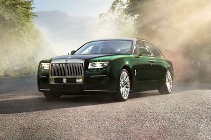 Rolls-Royce Ghost 2009-2020 Front Left Side Image