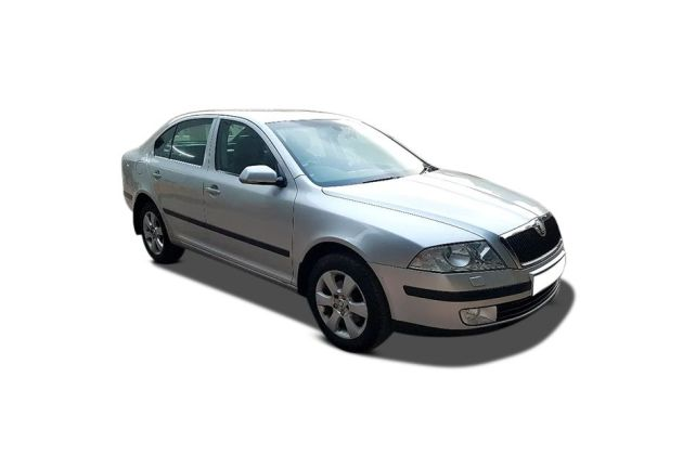 Skoda Laura 2007-2010 Front Left Side Image