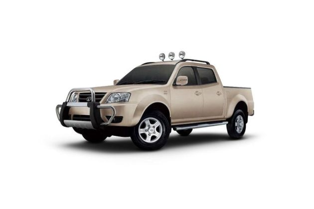 Tata Xenon XT Front Left Side Image