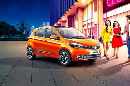 Tata Tiago 2019-2020 Front Left Side Image