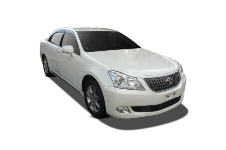 Toyota Crown Front Left Side Image