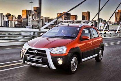 Toyota Etios Cross Front Left Side Image