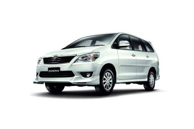 Toyota Innova 2012-2013 Front Left Side Image