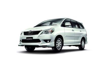 Toyota Innova Front Left Side Image