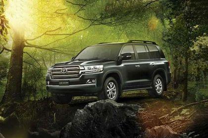 Toyota Land Cruiser Front Left Side Image