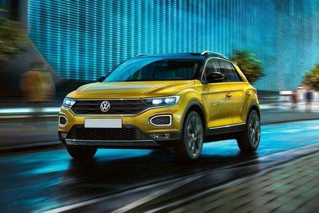 Volkswagen T-Roc Front Left Side Image