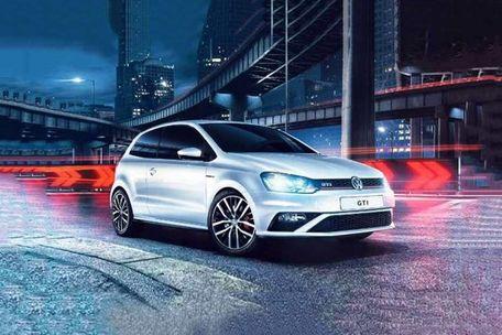 Volkswagen GTI Front Left Side Image
