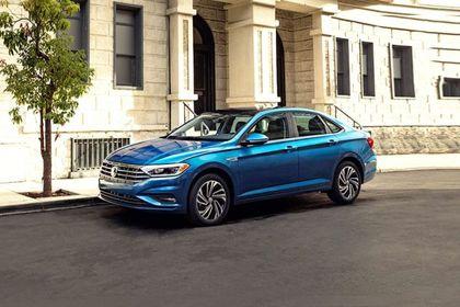 Volkswagen Jetta Front Left Side Image