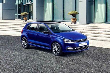 Volkswagen Polo Front Left Side Image