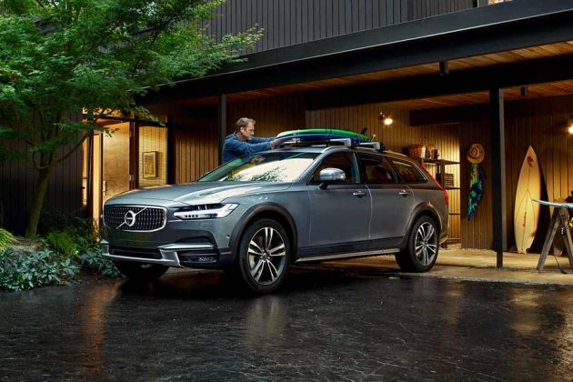 Volvo V90 Cross Country Front Left Side Image