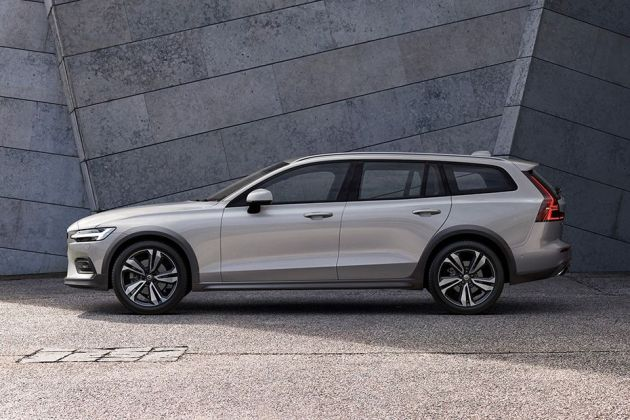 Volvo V60 Cross Country Side View (Left)  Image