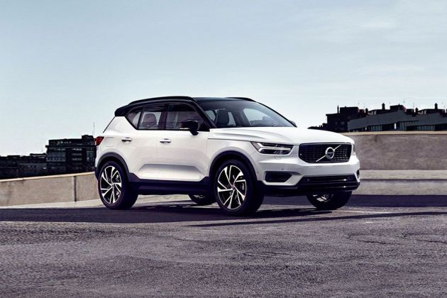 Volvo XC40 Front Left Side Image