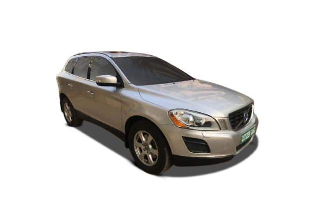 Volvo XC60 2008-2012 Front Left Side Image