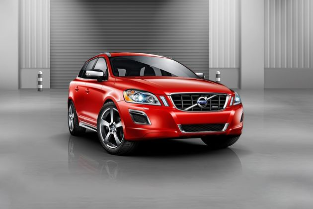 Volvo XC30 Front Left Side Image