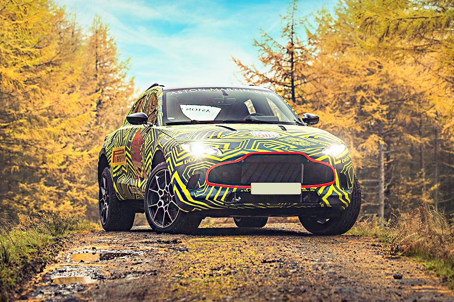 Aston Martin DBX Front Left Side Image