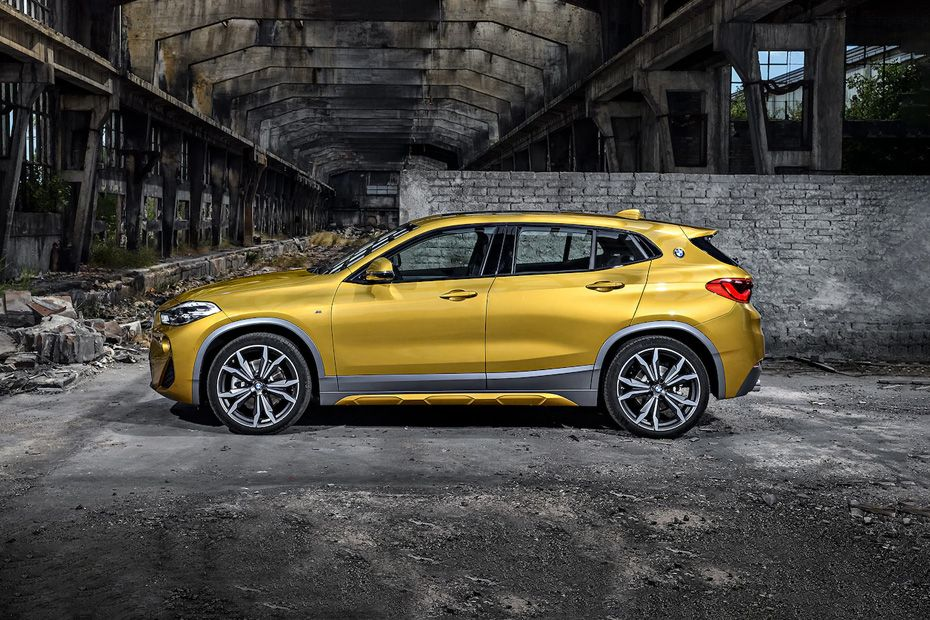 BMW X2 Side View (Left)  Image