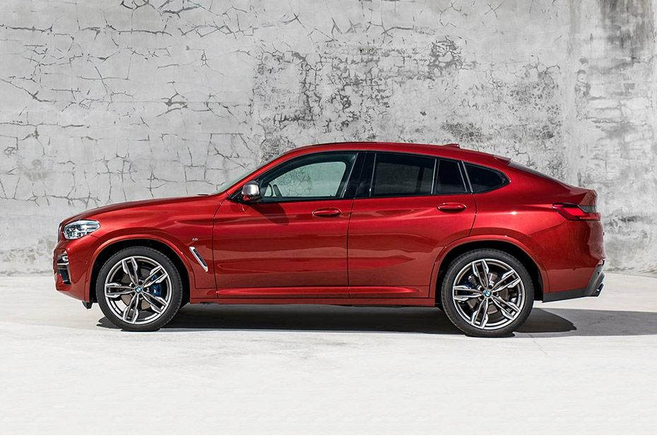 BMW X4 Side View (Left)  Image