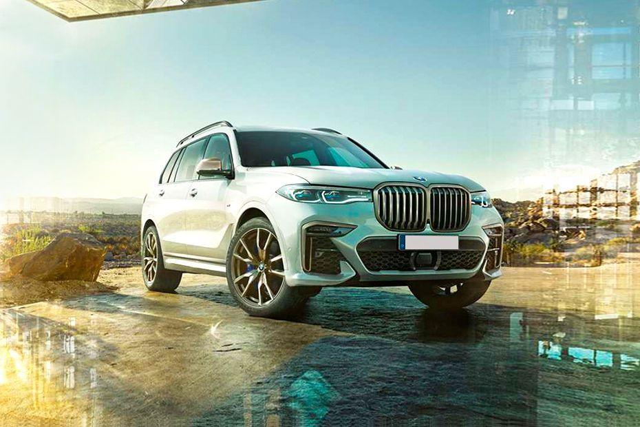 BMW X7 Front Left Side Image