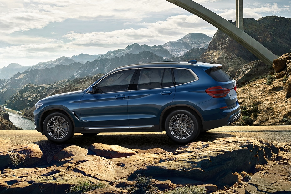 BMW X3 Side View (Left)
