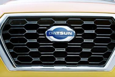 Datsun Cross Grille Image