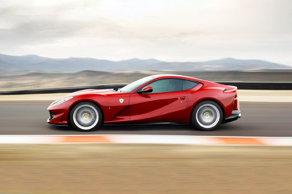Ferrari 812 Superfast Side View (Left)  Image