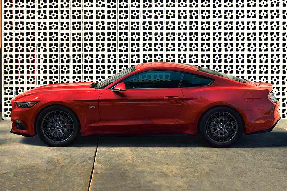 Ford Mustang Lean Body