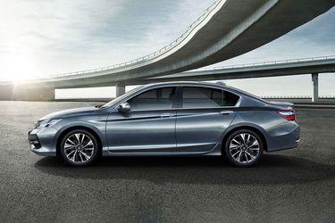 New Honda Accord Slopping Roofline