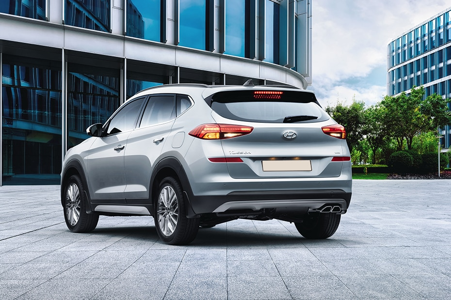 Hyundai Tucson Rear Left View