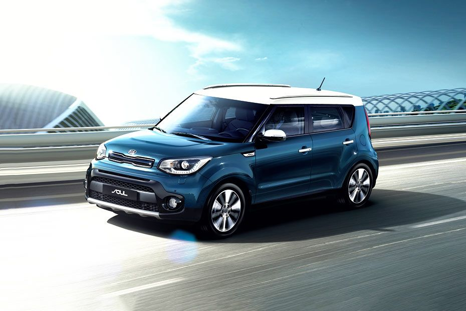 Kia Soul Front Left Side Image
