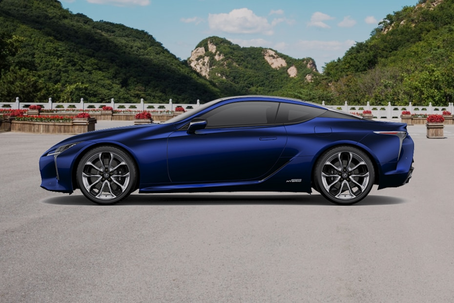 Lexus LC 500h Side View (Left)