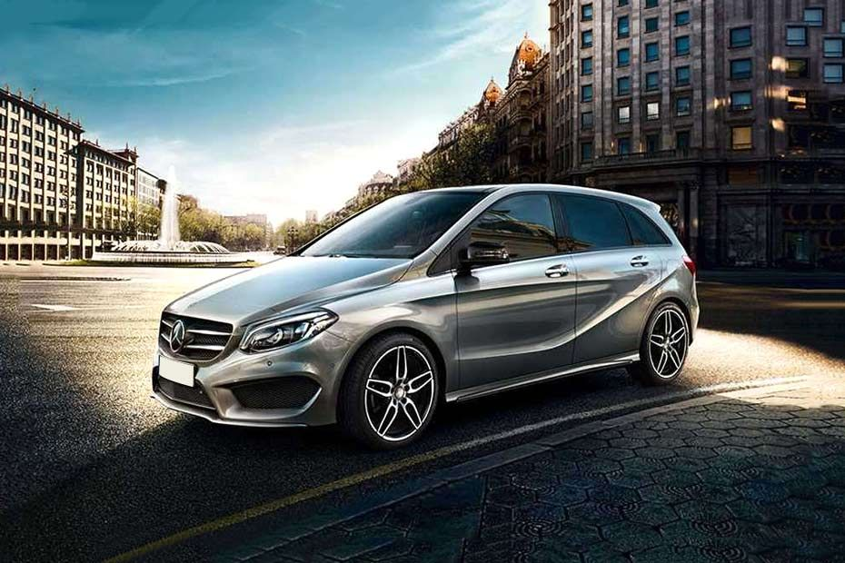 Mercedes-Benz B Class Front Left Side Image