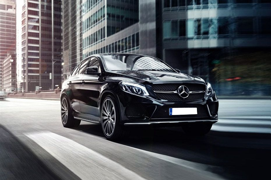 Mercedes-Benz GLE Class Front Left Side Image