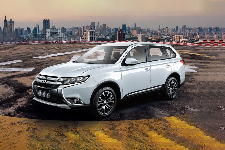 Mitsubishi Outlander Front Left Side Image