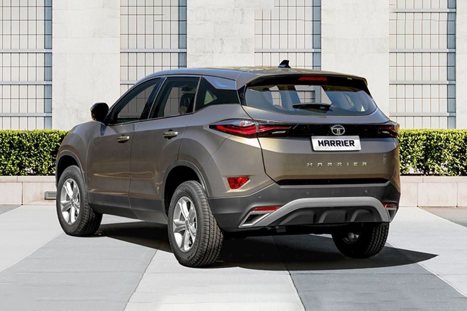 Tata Harrier Rear Left View Image