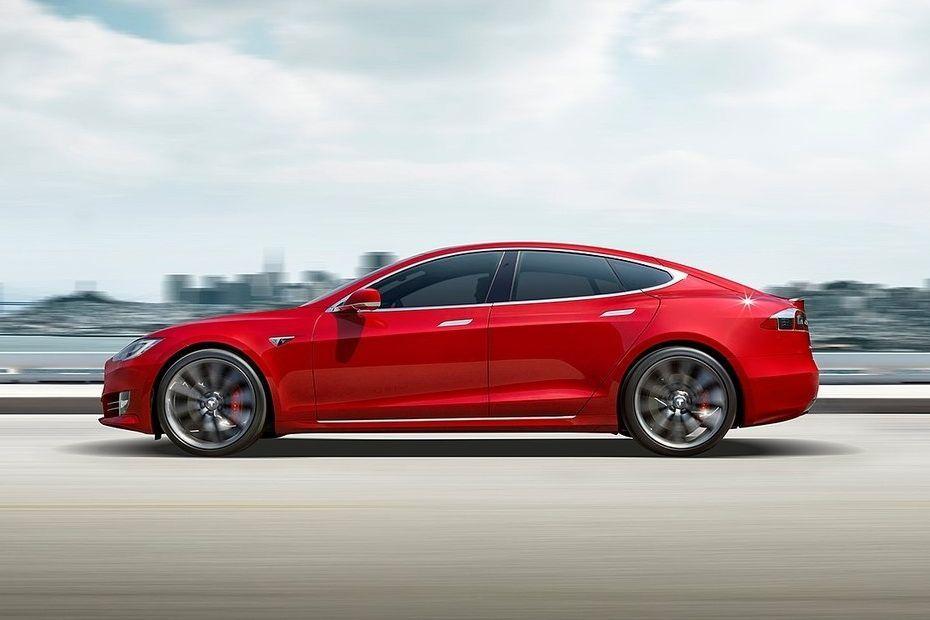 Tesla Model S Side View (Left)  Image
