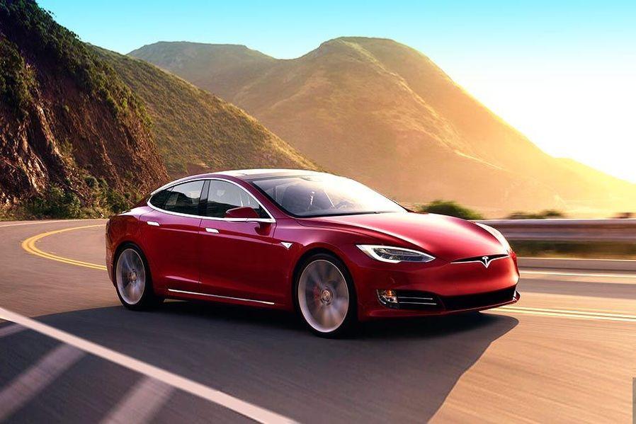Tesla Model S Front Left Side Image