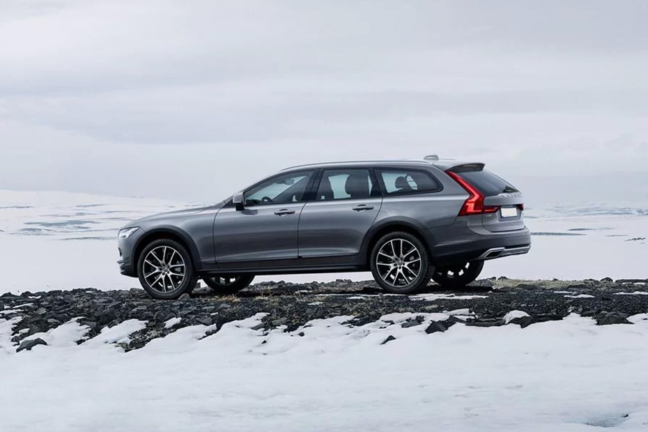 Volvo V90 Cross Country Rear Left View