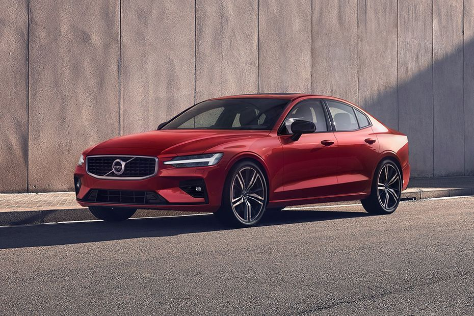 Volvo S60 2019 Front Left Side Image