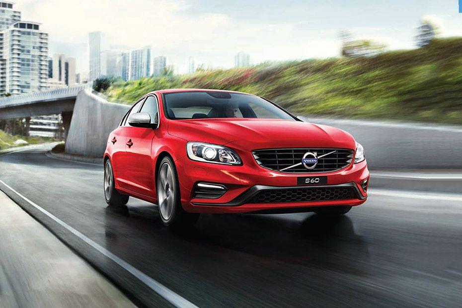Volvo V40 Cross Country Front Left Side Image