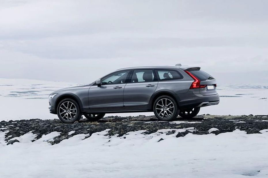 Volvo V90 Cross Country Rear Left View Image