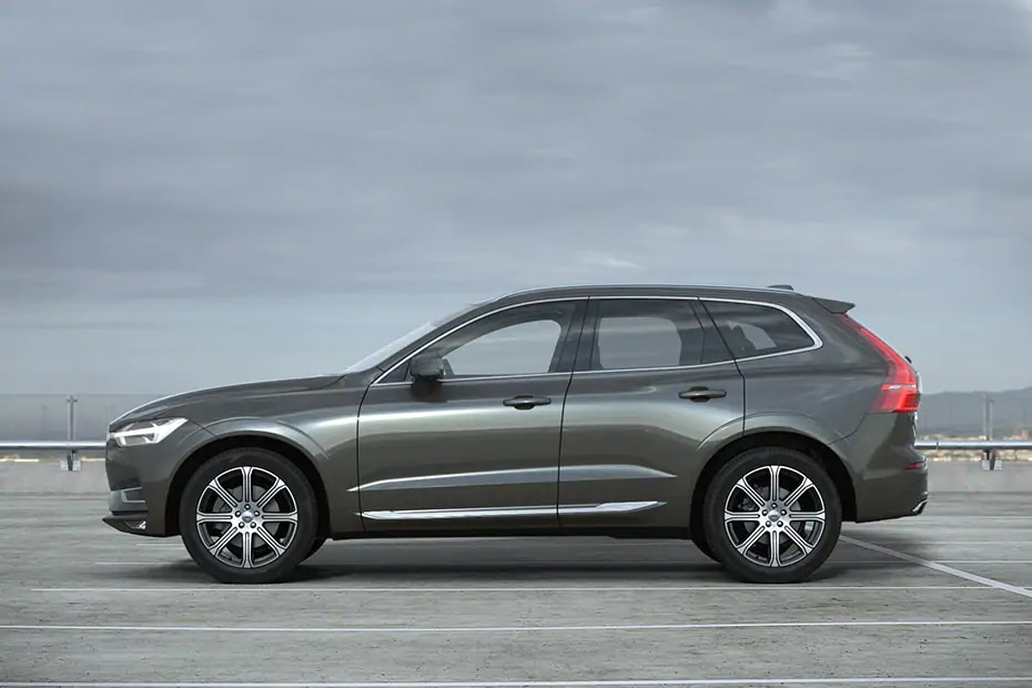 Volvo XC60 Side View (Left)